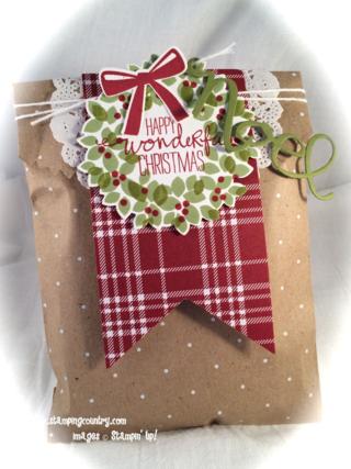 Wonderous Wreath Christmas Gift Bag